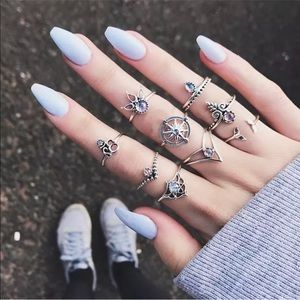 Jewelry - 9 piece Ring set with regular & Midi rings